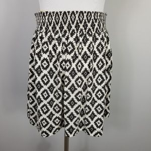 Twentyone Skirts - TWENTYONE Black White Aztec Mini Skirt Pockets M